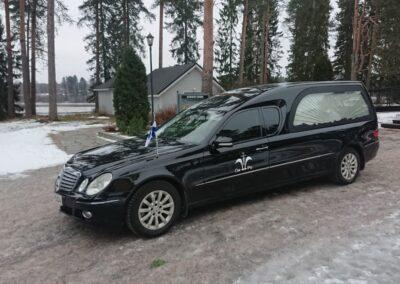 Mercedes Pollmann musta ruumisauto